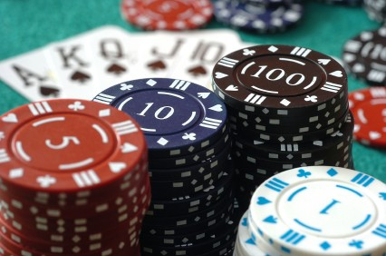 Texas holdem deal clockwise